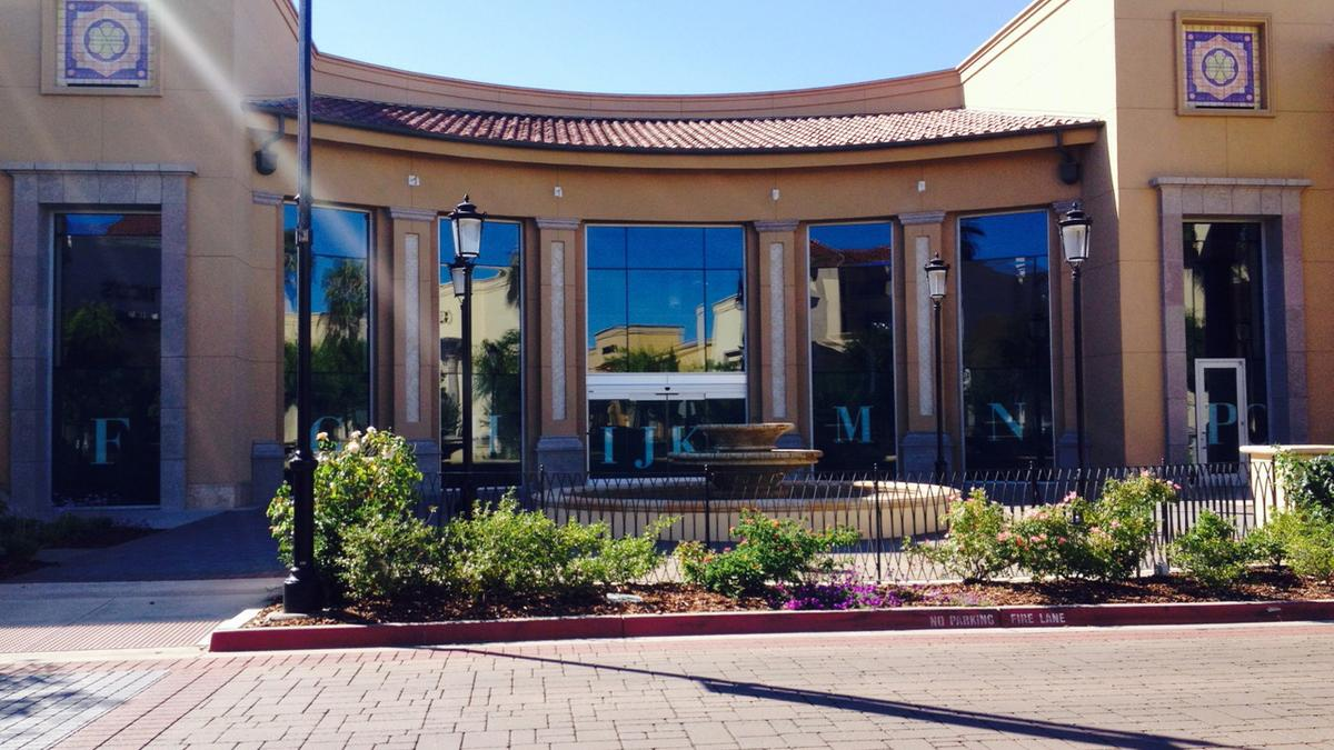 Barnes Noble Inc Planning Store With Restaurant In Folsoms