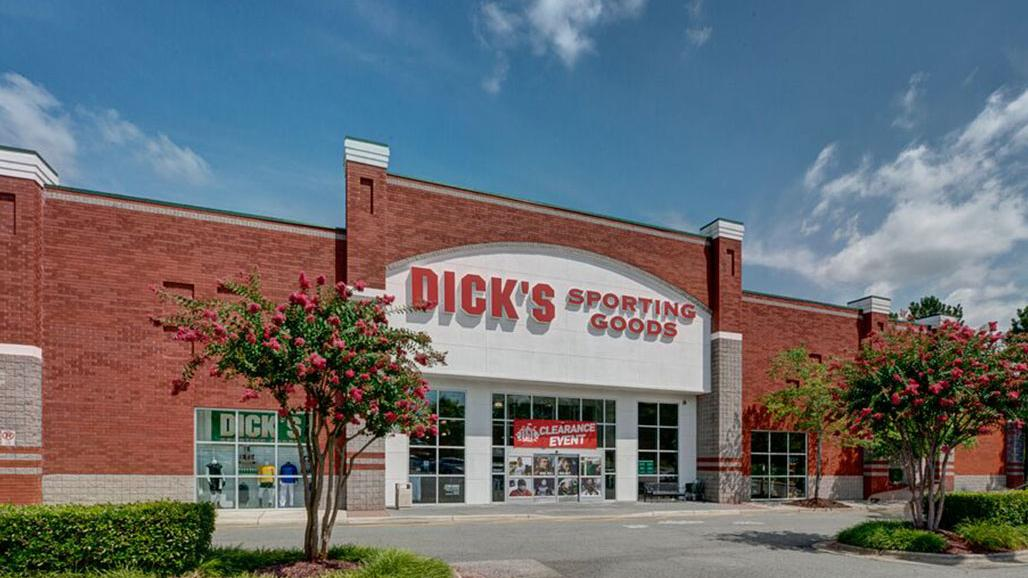Dick S Sporting Goods Store Joins Cluster Of 15 501 Building Sales