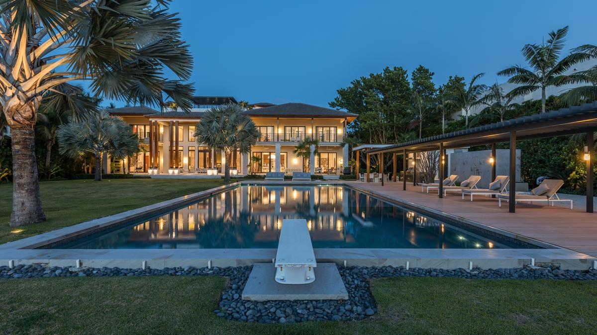 Billionaire rockstar energy drink ceo russell weiner buys for Biggest house in miami