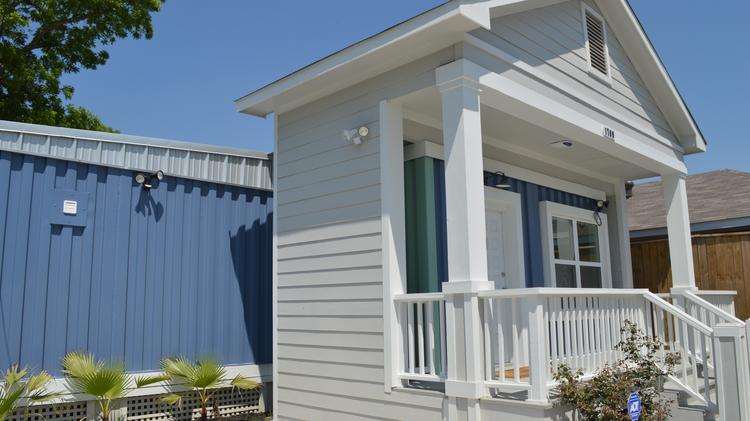 Build a box homes puts home built out of shipping containers on the houston market houston - Houston container homes ...