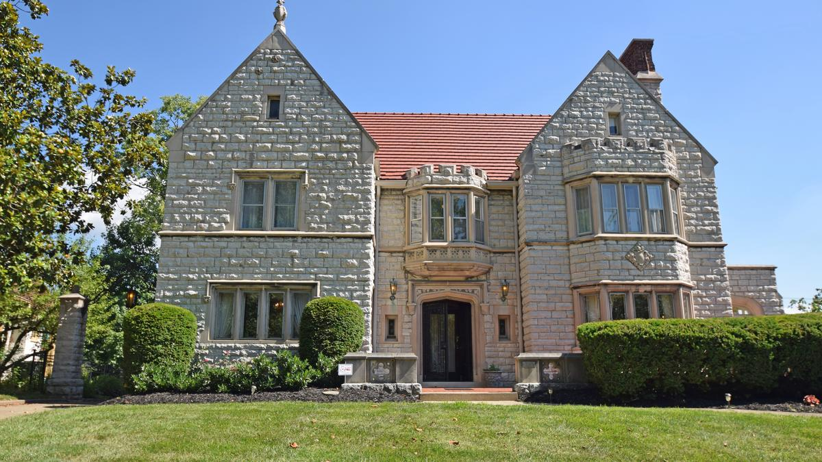 Cincinnati S Historic Cantaloupe King Mansion Hits The Market Photos Cincinnati Business Courier Cantaloupe is a supporting characer of the high fructose adventures of annoying orange and the annoying orange. the business journals