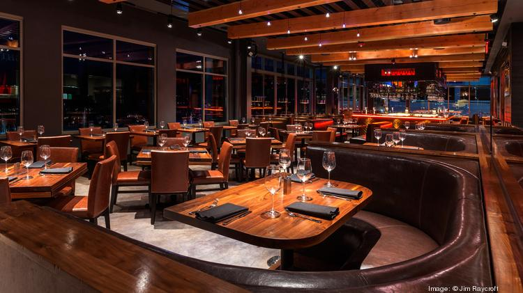 Del Frisco's Grille will open a third Massachusetts location at Westwood's University Station mixed-use development next year. The Southlake, Texas-based Del Frisco's Restaurant Group (Nasdaq: DRFG) chain also has upscale Del Frisco's Double Eagle Steakhouse in Boston's Seaport District and two Del Frisco's Grille locations in Chestnut Hill and Burlington.