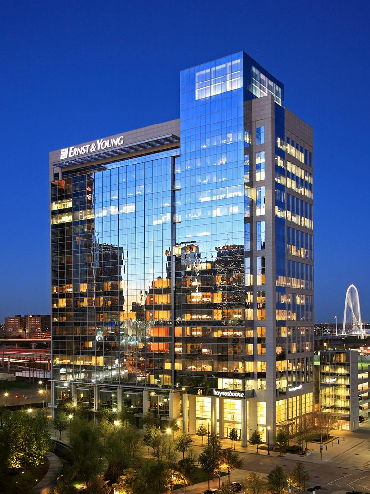 Hines, Estein & Associates sells One Victory Park to New ...