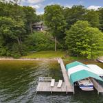 Home of the Day: Spectacular Smithtown Bay Lakeshore Retreat