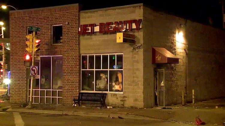 Milwaukee Police Six Businesses Destroyed Or Damaged By Civil Unrest Milwaukee Milwaukee