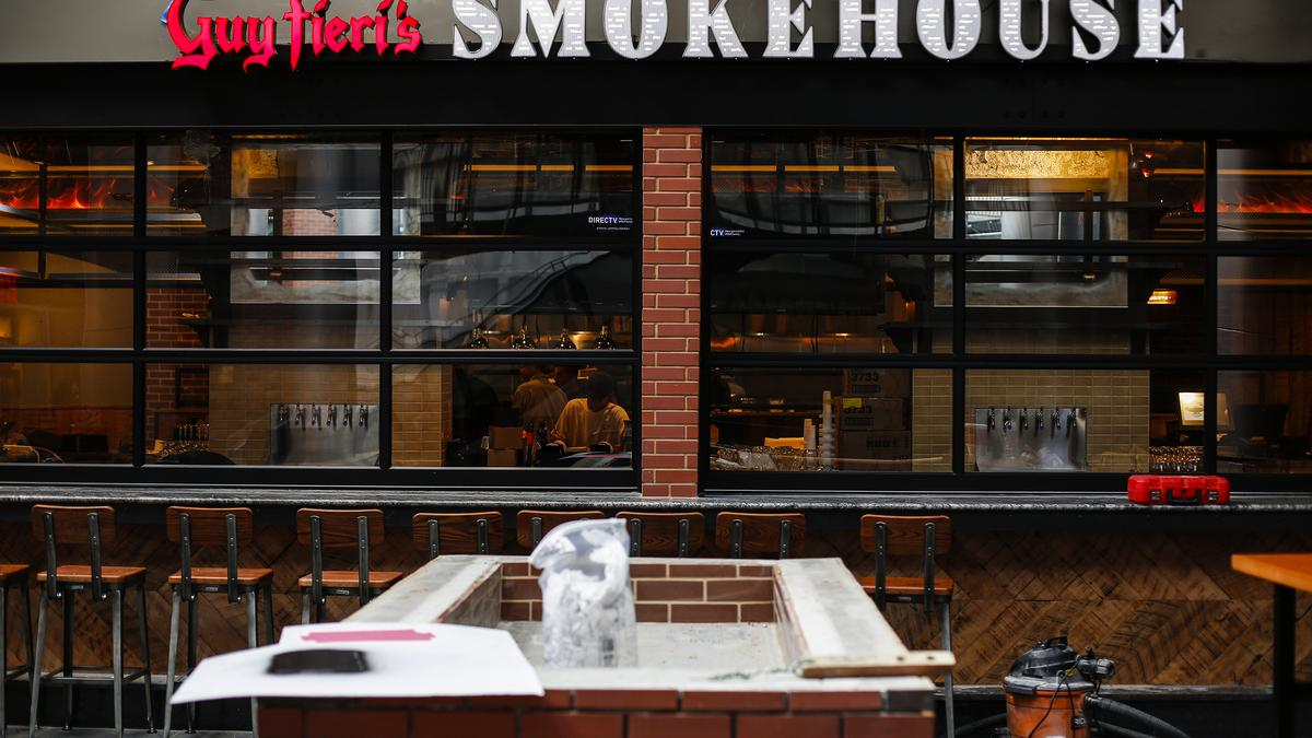 Guy Fieri S Smokehouse Is Opening Soon At Fourth Street Live Louisville Business First