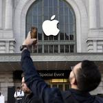 ​Apple's cash grows to record $237.6B, nearly all of it sitting offshore