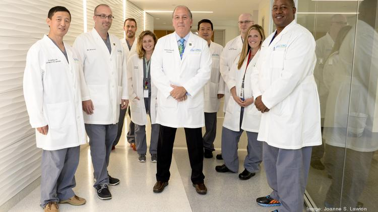 Rich Pietroski, center, and his team at United Therapeutics subsidiary Lung Biotechnology can preserve lungs for transplant for up to 22 hours.
