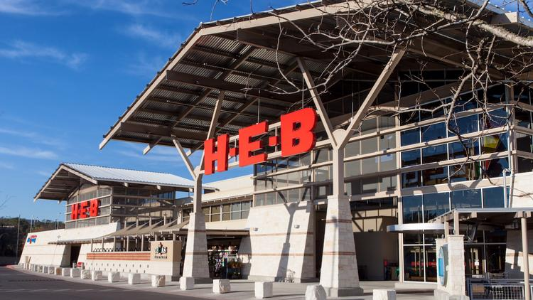 HEB Grocery Co. is the anchor tenant at the Oaks at Lakeway, which has been developed and delivered by Austin's Stratus Properties during the past couple of years. Boston-based TA Realty LLC has agreed to purchase the property for for $114 million.
