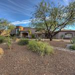 Home of the Day: Privacy on the Phoenix Mountain Preserve