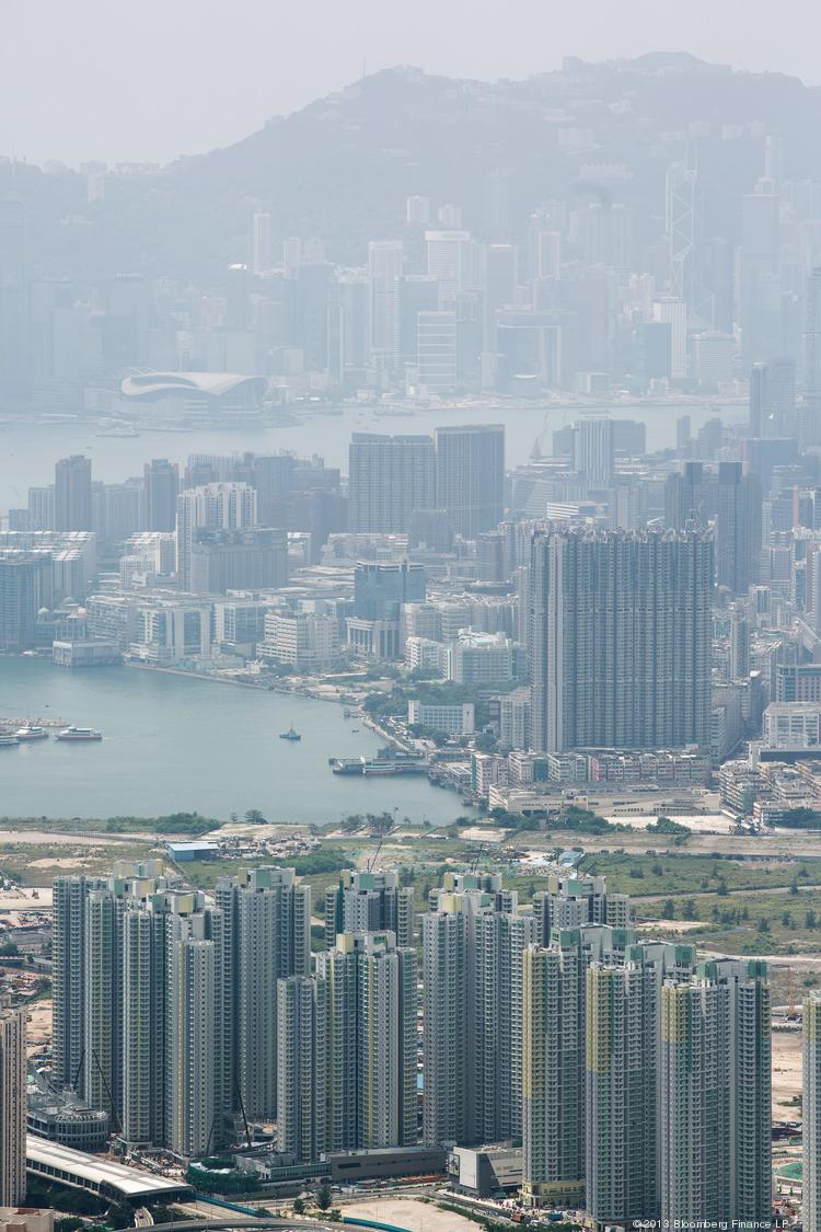 Cathay Pacific announced a fare sale for its Newark-to-Hong Kong route.