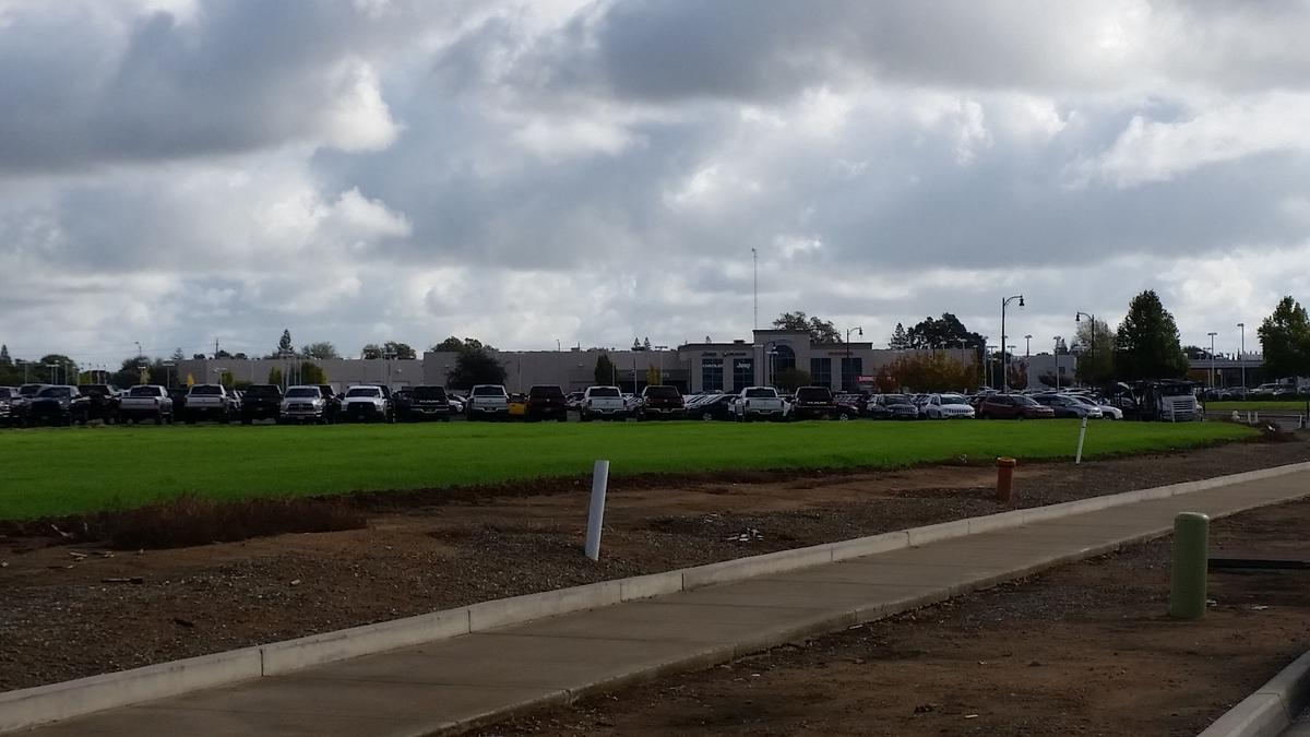 Elk Grove Auto Mall >> Lasher Auto Group buys Elk Grove land for more vehicle space - Sacramento Business Journal