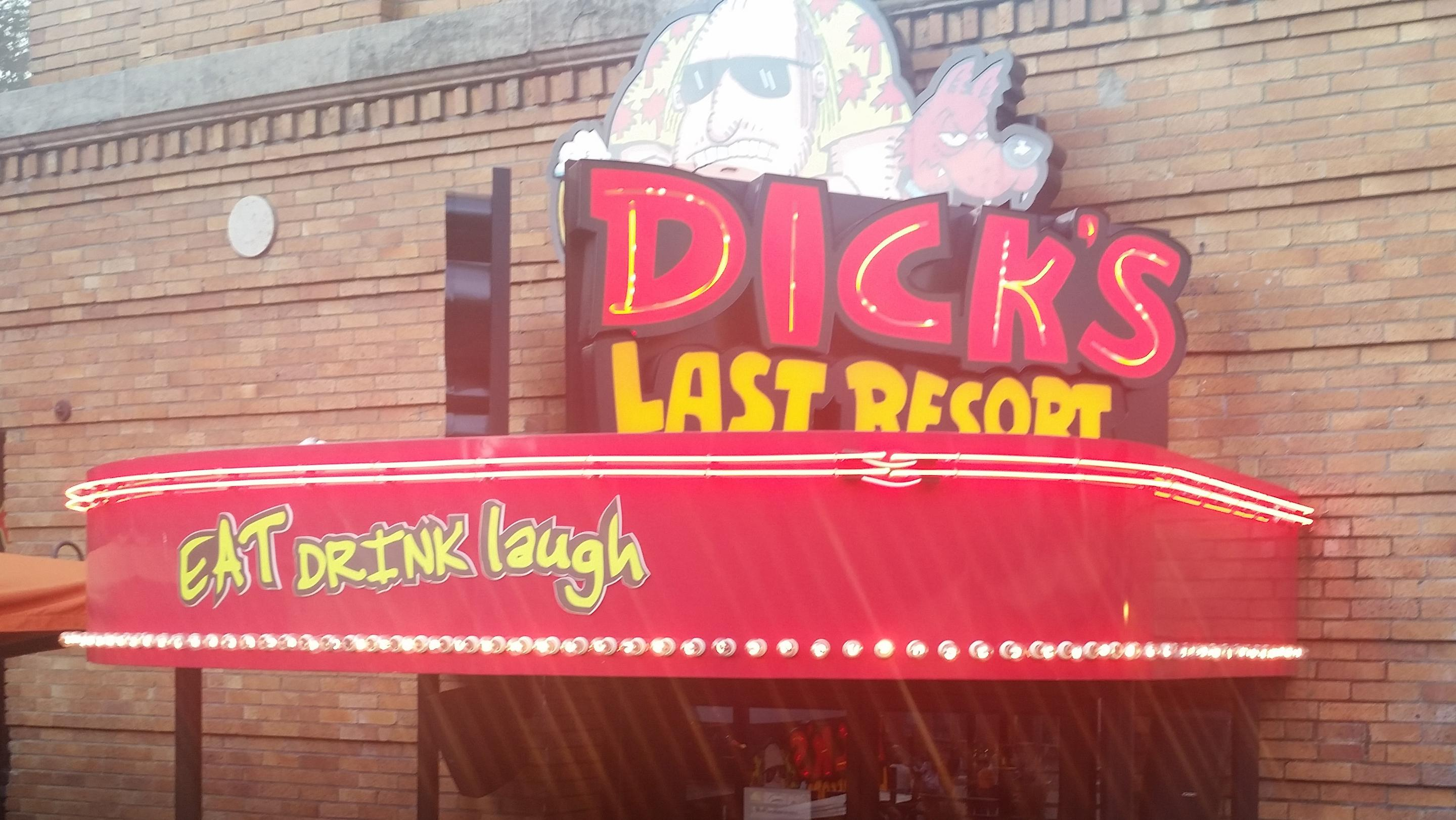 What should go in the Dick's Last Resort space next to Nationwide Arena?