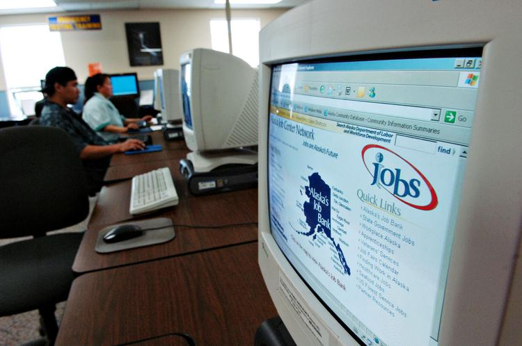 Career Mojo gives advice on how best to use Internet-based job-search sites.