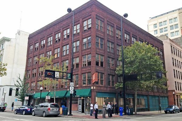 The building at 906 Main St., a more than 33,000-square-foot office building in downtown Cincinnati, is being converted into upscale apartments.