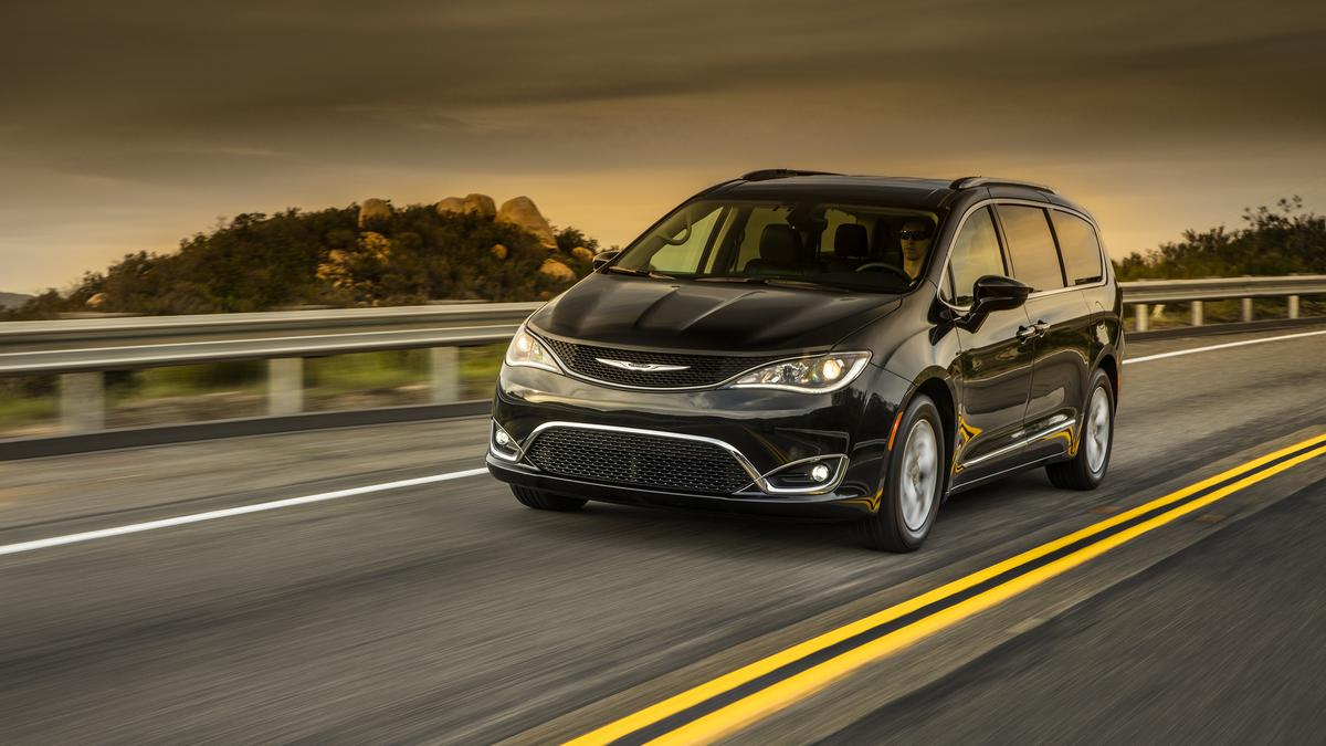 e1db468b8e2b Motor Mondays  Chrysler Pacifica now a minivan – and that s a good thing  (Video)
