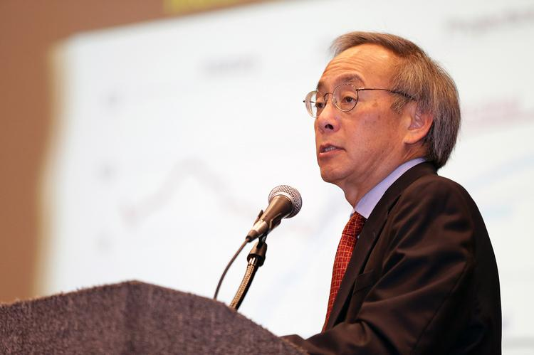 "Former U.S. Secretary of Energy Steven Chu told an audience at a conference sponsored by America's Natural Gas Alliance that ""You can develop (fracking) in a safe way."""