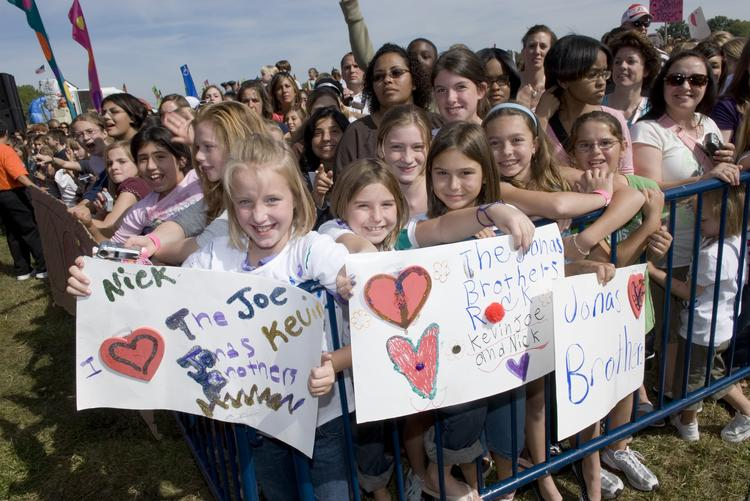Tween Brands gets its target market in droves by sponsoring the kid-friendly concert series at the New Albany Classic. Click on the slideshow to see past headliners.