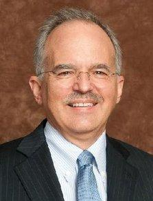 Bank of Kansas City named Charles Hunter as its new manager of commercial banking.