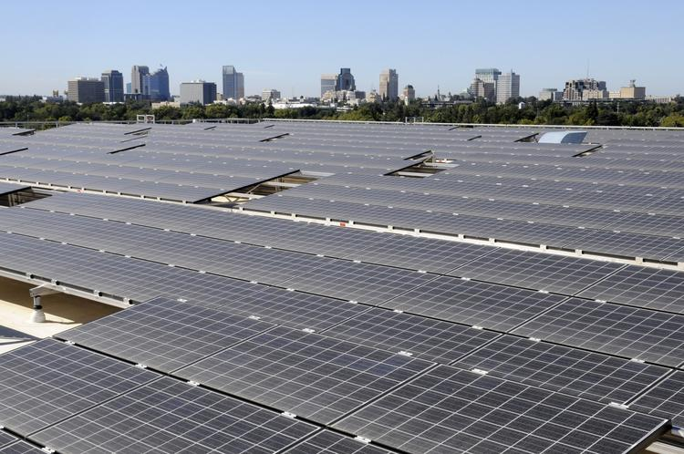California remains at the top of solar power industry employment, but other states are starting to quickly grow in that job sector.