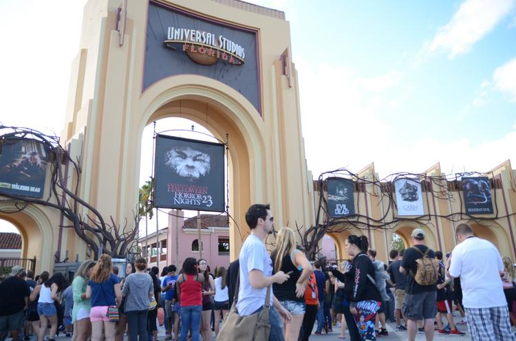 Crowds of eager victims line up outside Universal Studios for Halloween Horror Nights 23.