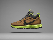The Nike Lunar LDV SneakerBoot features Nike's Lunarlon cushioning and improved traction.