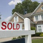 Boston home prices rose 7 percent in April, outpaced statewide average