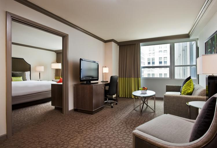 The InterContinental Chicago Magnificent Mile includes 792 guest rooms and 72 suites.