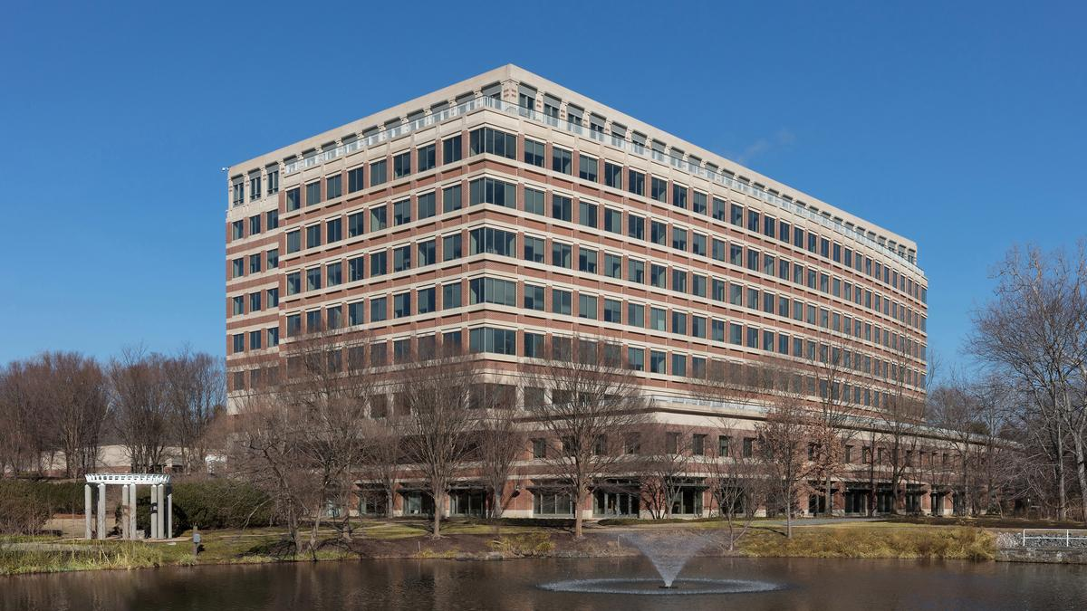 Americandream 156 Fannie Mae Sells Reston Herndon Buildings As It Rea