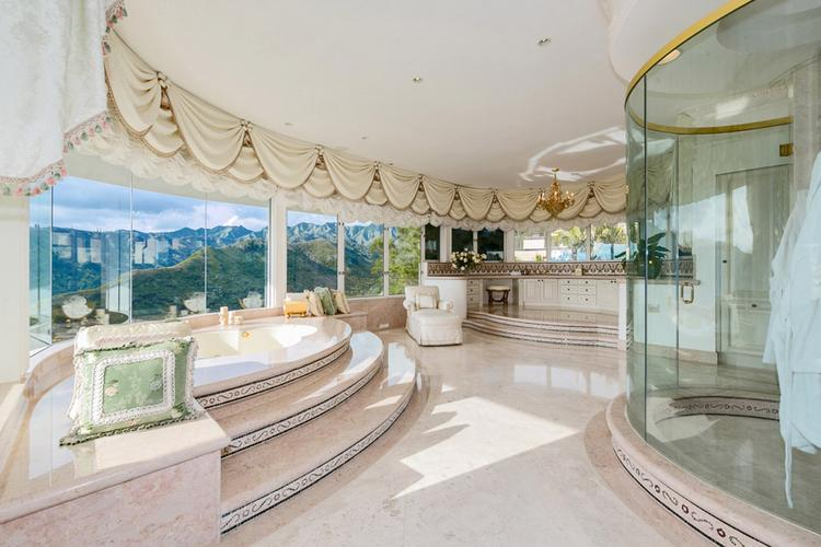 A mansion that once belonged to the TV producer Al Masini sold for $10 million to a Japanese buyer, the  most expensive home sale ever recorded for Hawaii Loa Ridge in East Honolulu.