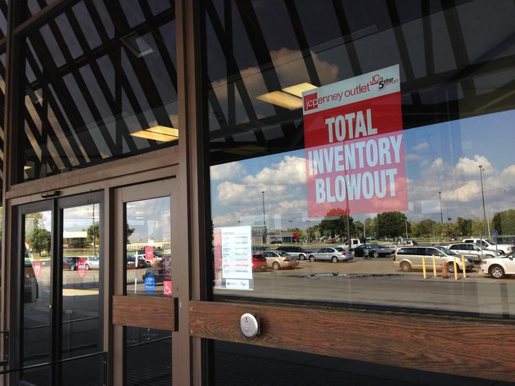 JC'S 5 Star Outlets is closing all its stores, including this one off Brice Road.