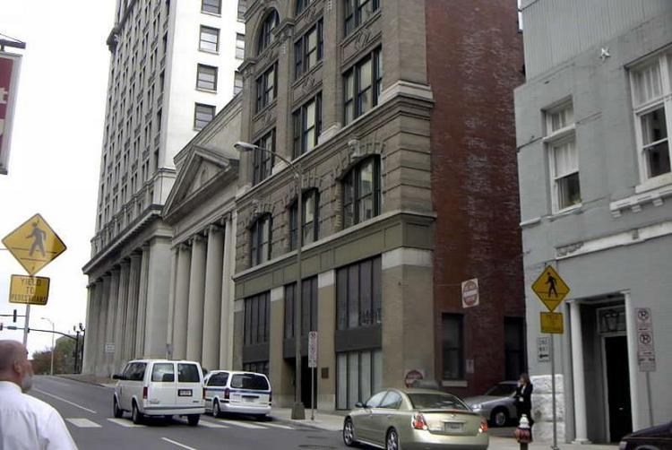 Metro officials plan to auction the 222 Building, located at 222 Third Ave. N.