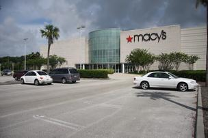 The Oviedo Mall has been bought by 3D Investments, a Los Angeles-based private real estate management firm.