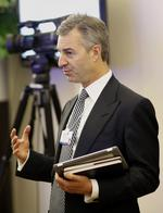 Daniel Loeb wants to repaint Sotheby's, suggests starting with eraser