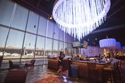 Epic Bar: In the middle of the casino you'll find Epic Bar, a full-service operation. The casino has several large chandeliers that can change colors for special holidays or events (think red, white and blue for July 4 or pink for Breast Cancer Awareness month).