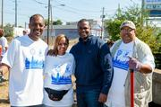 Atlanta Mayor Kasim Reed, Councilman Ivory Young and Hands On Atlanta Board Member Shanti Das with a City of Atlanta volunteer