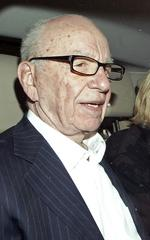 Murdoch's pursuit of Tribune Co. papers possibly delayed by FCC upheaval