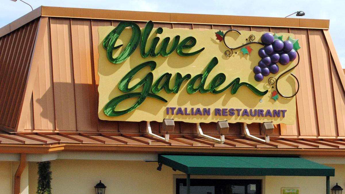 Olive garden will launch online ordering this month phoenix business journal for Olive garden locations phoenix
