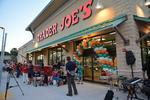 Scores of fans turn out for Trader Joe's opening - slideshow (Video)