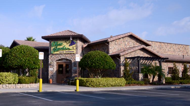 same restaurant sales at dardens olive garden chain fell during its fiscal fourth quarter - Olive Garden Orlando