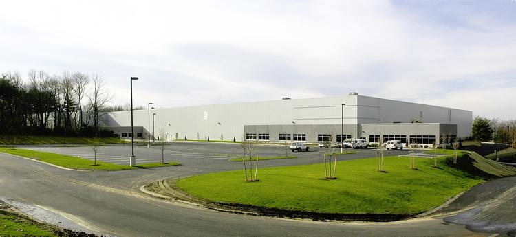 Owens & Minor has signed a 234,664-square-foot lease renewal and expansion at Franklin Industrial Park.