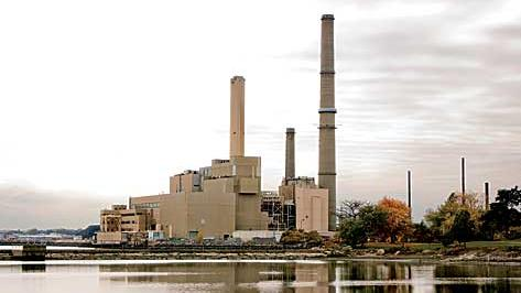 Footprint Power faces a big delay in starting construction on a natural gas plant that would replace this old coal plant in Salem.