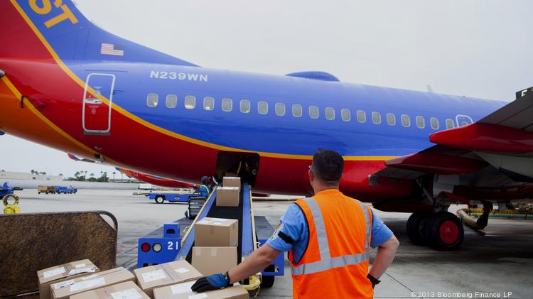 A Southwest baggage handler at Midway Airport explains why he believes the airline had a meltdown on Jan. 2.