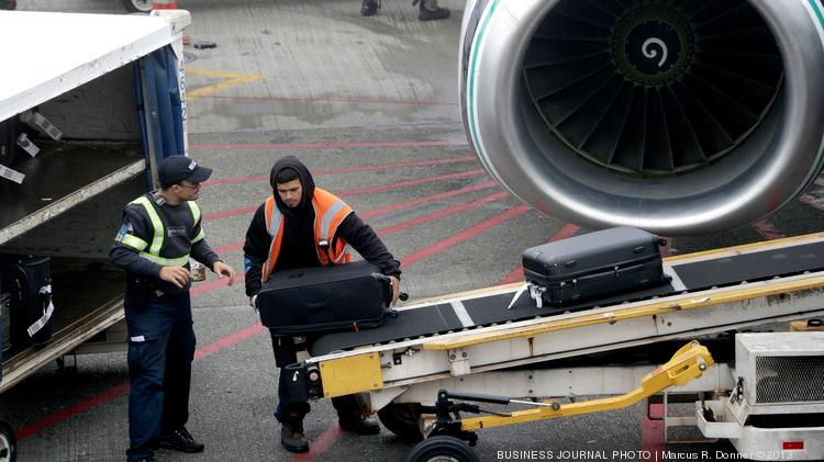 New federal proposal would require airlines to disclose all fees related to services.