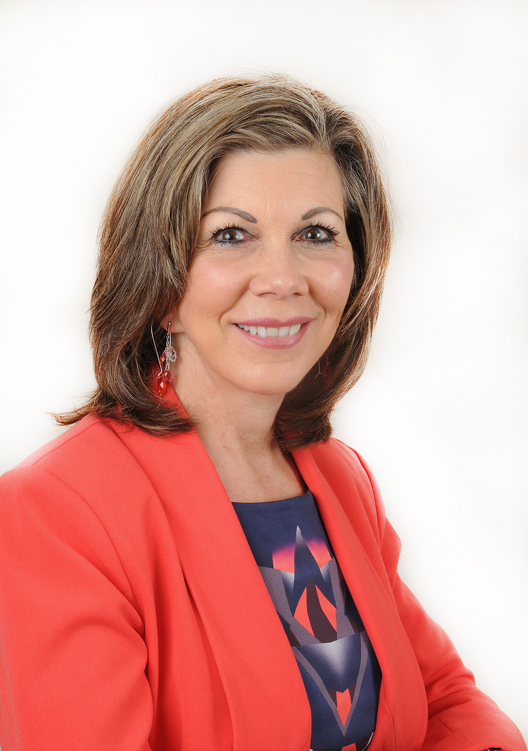 Coni Rathbone is the recipient of the Commercial Real Estate Women's 2013 Impact Award for Entrepreneurial Spirit.