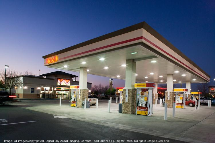Retail gasoline prices are down throughout both Texas and the United States.