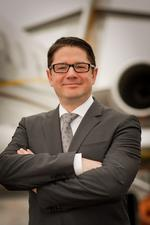 Bombardier shuffles management in business aircraft division
