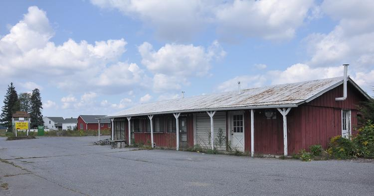 A potential deal for the purchase of the former Engel farm near Albany International Airport has fallen apart.