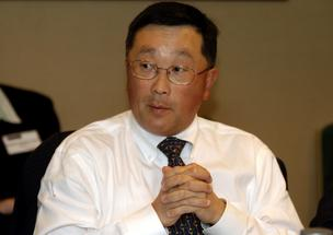 John Chen, chief executive officer of Sybase Inc., speaks during a roundtable discussion sponsored by the Business Software Alliance, June 6, 2007, in Washington, D.C. Chief executive officers from several leading software companies attended the forum.