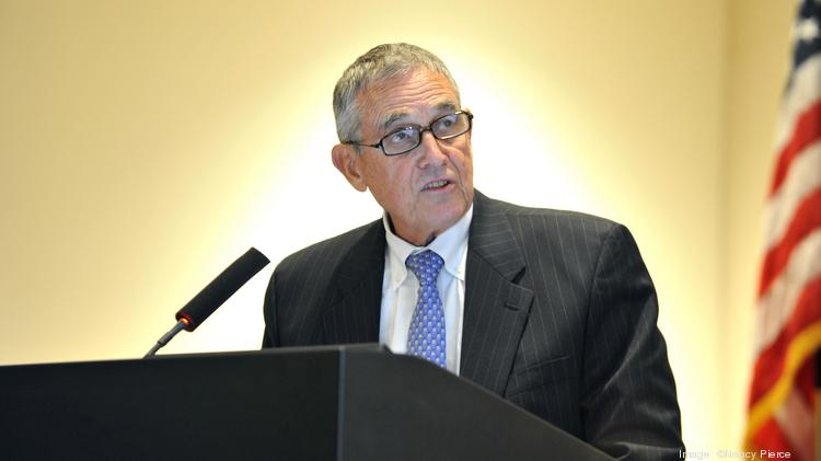 Charlotte Airport Commission executive director Jerry Orr said he will retire Dec. 31.